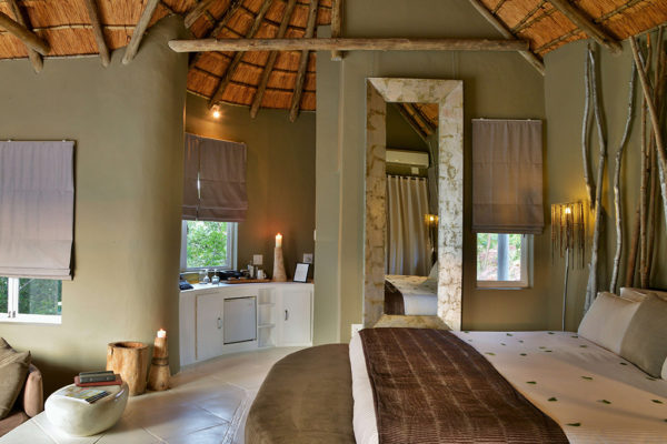 clifftop-accommodation-bedroom