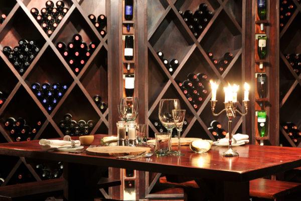 clifftop-lodge-facilities-winecellar