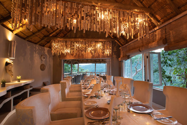 clifftop-lodge-conferencing-dining-room